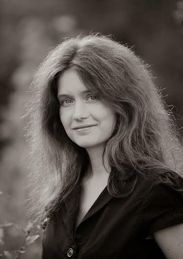 """[Autorenvorstellung + Gewinnspiel] Lena Klassen schreibt """"wilde"""" Dystopien, spannende Krimis und fantastische Romanzen…"""